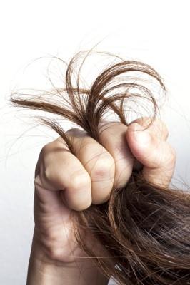 Słabe, zniszczone i wypadające włosy