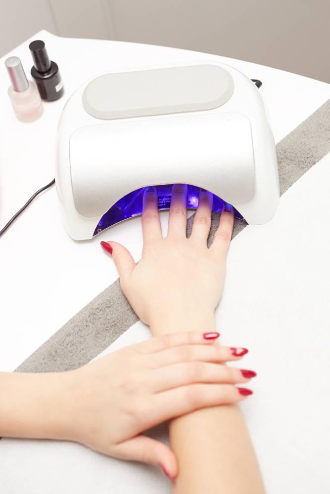 Popularna lampa do utwardzenia lakieru hybrydowego