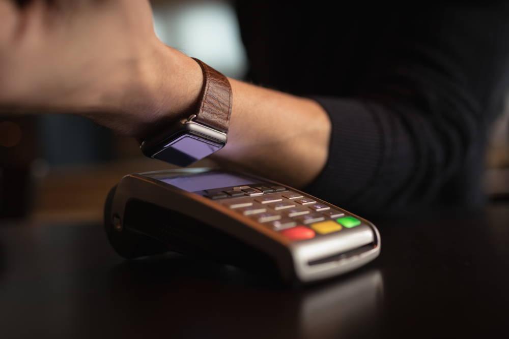 Smartwatch z NFC