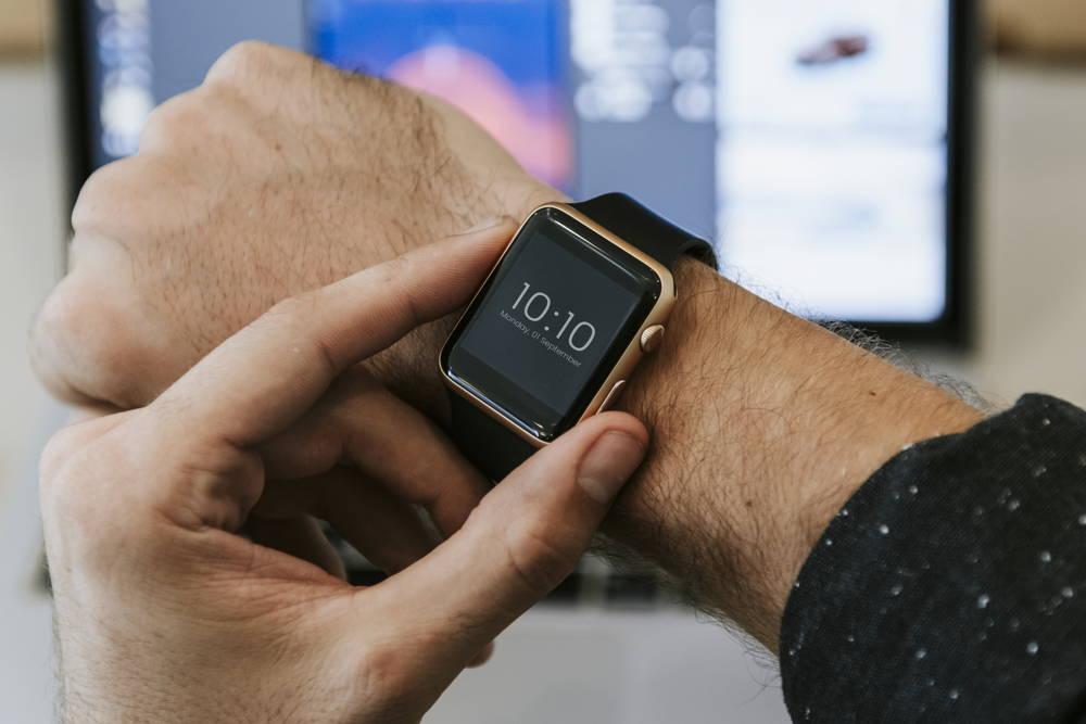 Stylowy smartwatch na rękę