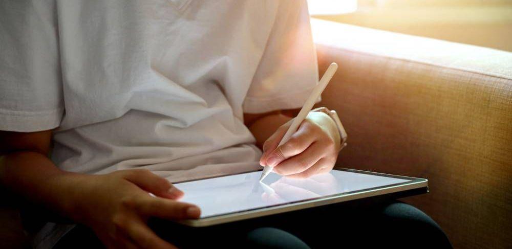 Tablet graficzny z wyświetlaczem