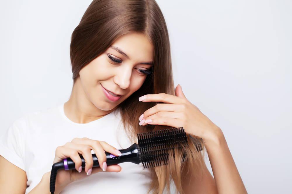 Lokówko-suszarka z jonizacją zimnym nawiewem nadająca objętosci włosów